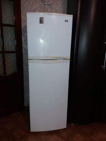 холодильник  LG  б/у в отличном состоянии
