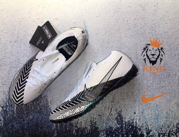 Футбольные бутсы , зальник Nike