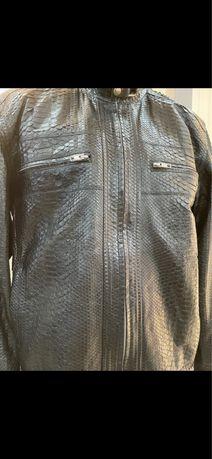 Протам куртку ( кожа натульная ()питон)