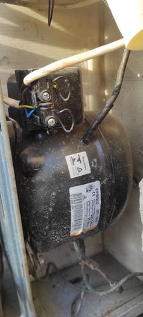 Продаются мотор меньше месяца использовался названия холодильника beko