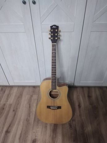Продаю гитару. Акустика