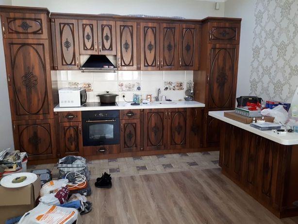 Продается кухонный гарнитур