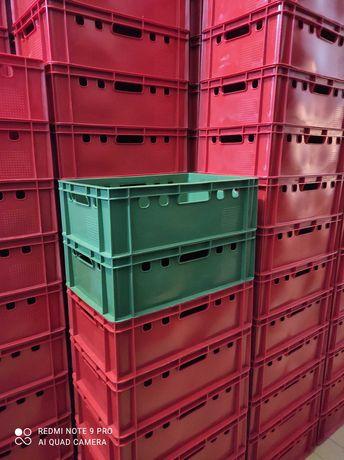 Naveta /lada plastic tip E2/diverse culori/19 ron