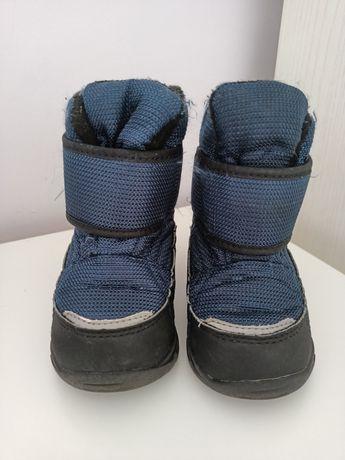 Продам зимнюю детскую обувь