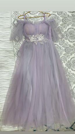 Продам нежное платье