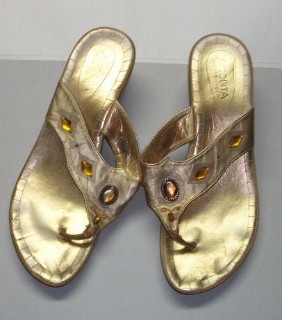 Vand sandale de dama aurii, marimea 41, purtate o data