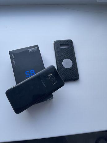 Продам самсунг Samsung s8 в идеальном состояние