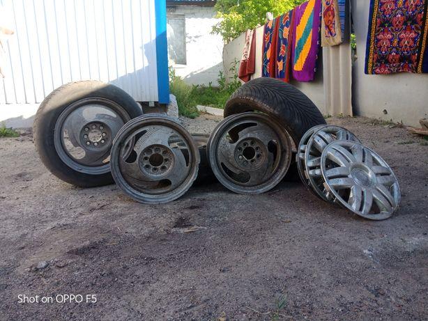 Продам шины и диски.
