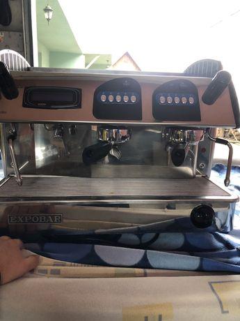 Vand 2 aparate de cafea profesionale