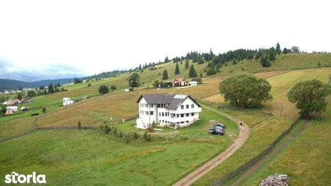 O pensiune turistica sau locuinta, zona Vatra Dornei - Tesna