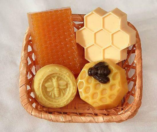 Мёд, орехи в мёду, мыло мёдовое