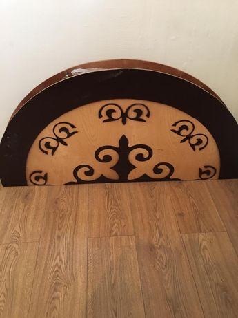 Продам деревянный круглый стол
