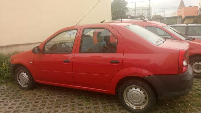 Vând Dacia Logan 1.4 benzina