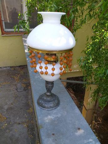 Lampa vintage cu abajur maiolica pe petrol vintage