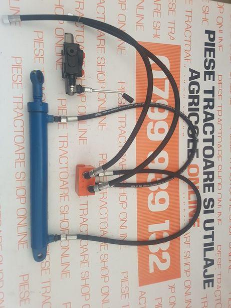 Cilindru plug reversibil cu distribuitor adaptabil