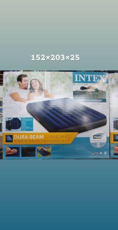 Двуспальный надувной матрас с  подушками инасосом152х203×25
