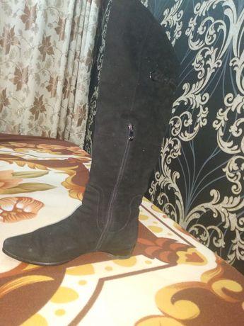 Продам замшевые женские туфли черного цвета 37размера