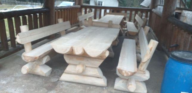 Mese rustice din lemn rotund