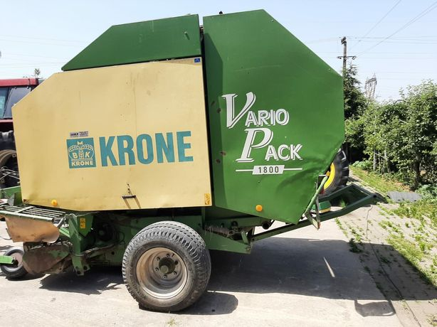 Presă de baloți Krone Vario Pack 1800 funcționează Balotieră