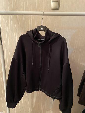 Продам почти новую кофту от Zara, кофта с замком размер л