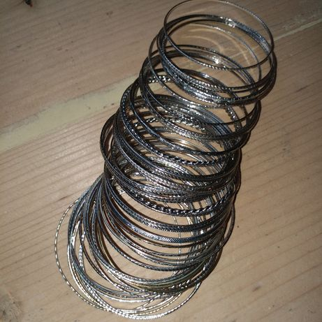 Reducere! Lot de 60 brățări fixe argintate.