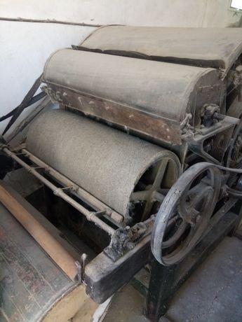 Linie de dărăcit și scărmănat lana de oaie