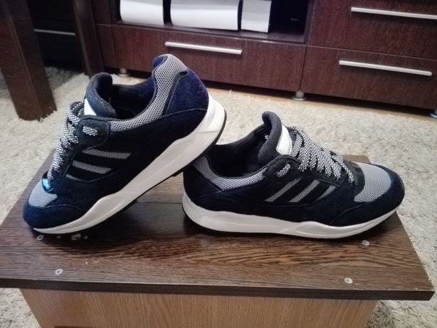 Adidasi Adidas,Marimea 40,5!ORIGINALI!Stare buna.