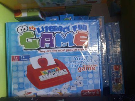 Joc educativ de invatat engleza cu cartoane pentru copii