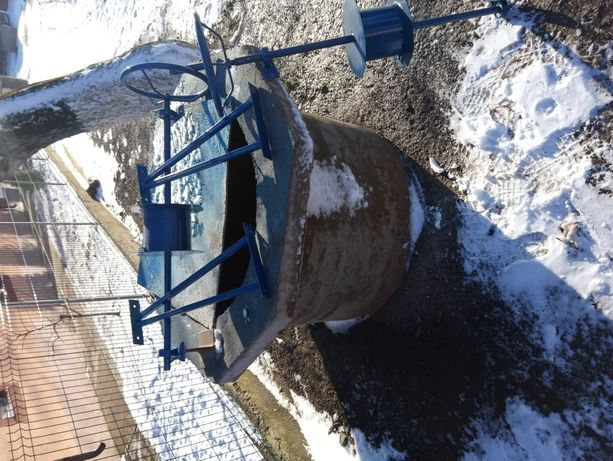 Fantanar / fantana / foraje puturi tuburi beton
