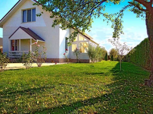 Vand casa noua mobilata in Bucov