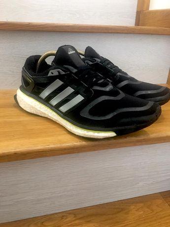 Reducere de la 280 Adidas Energy Boost cu senzor