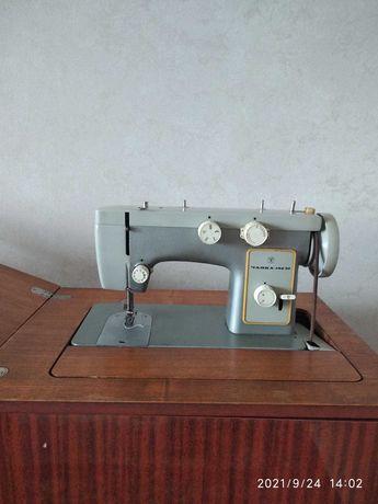 """Продам швейную машинку """"Чайка 142М"""""""