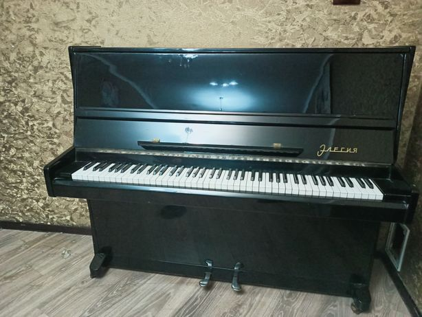 Пианино Элегия +Доставка и настройка!