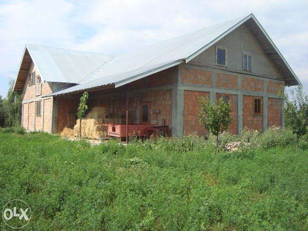Casa / Depozit 4km Focsani Vrancea la rosu