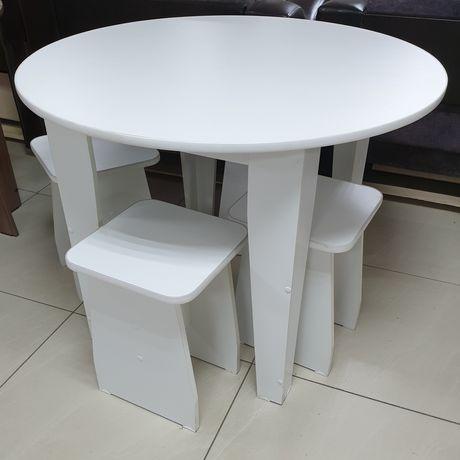 Круглый стол + 4табуретки