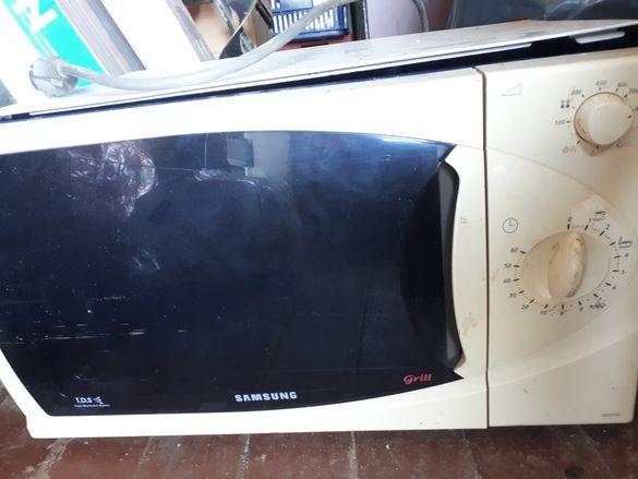 Микровълнова печка Samsung с грил за части