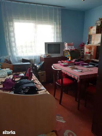 Apartament cu 4 camere de vânzare în zona UMF, Zorilor