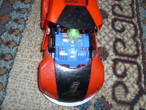 Jucarie masinuta de 22 cm (cu baterii)
