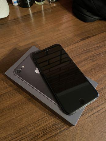 Продам iPhone 8, 64gb (black)