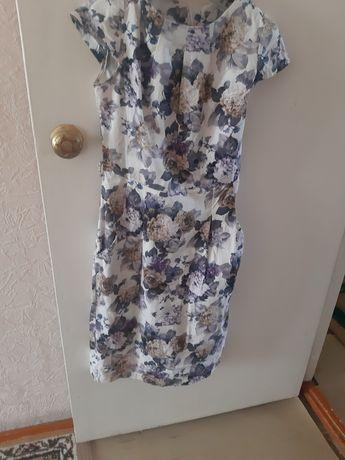 Продам летнее платье  размер 44