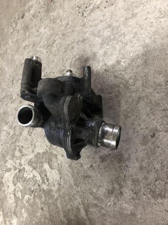 водна помпа с термостат Audi Q7 4.2 TDi