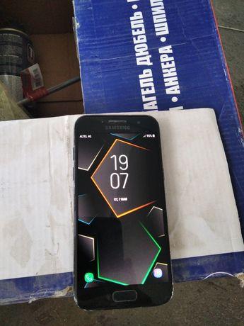 Samsung Galaxy A3 2017 год