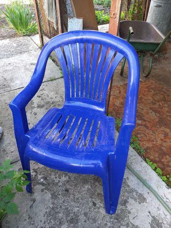 Пластиковые столы и стулья для дачи(стол+4 стула)-3 комплекта синие