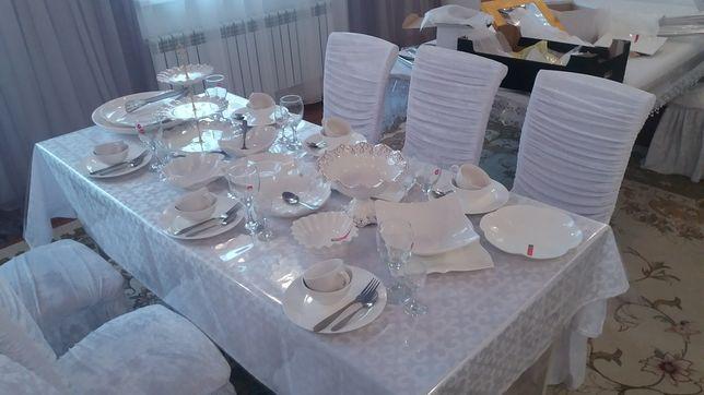 Аренда столов со стульями с посудoй (без) с выгодной ценой на 60 мест