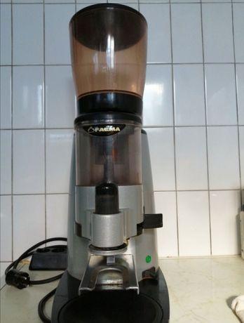 Кафемелачка FAEMA