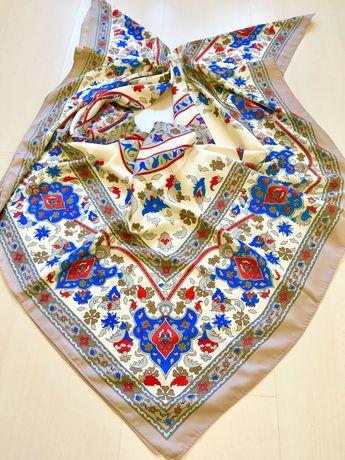 Batic mare din mătase, motive orientale