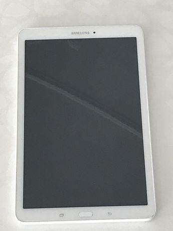 Планшет Samsung Tab E