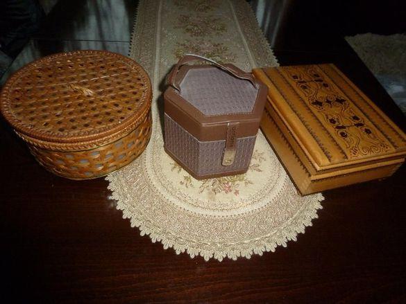 Дървени кутии за бижутерия