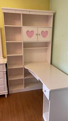Детская мебель (угловой стол+шкаф, комод+зеркало)