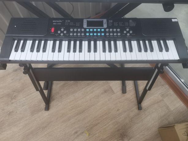 Синтезатор 54 клавиши!